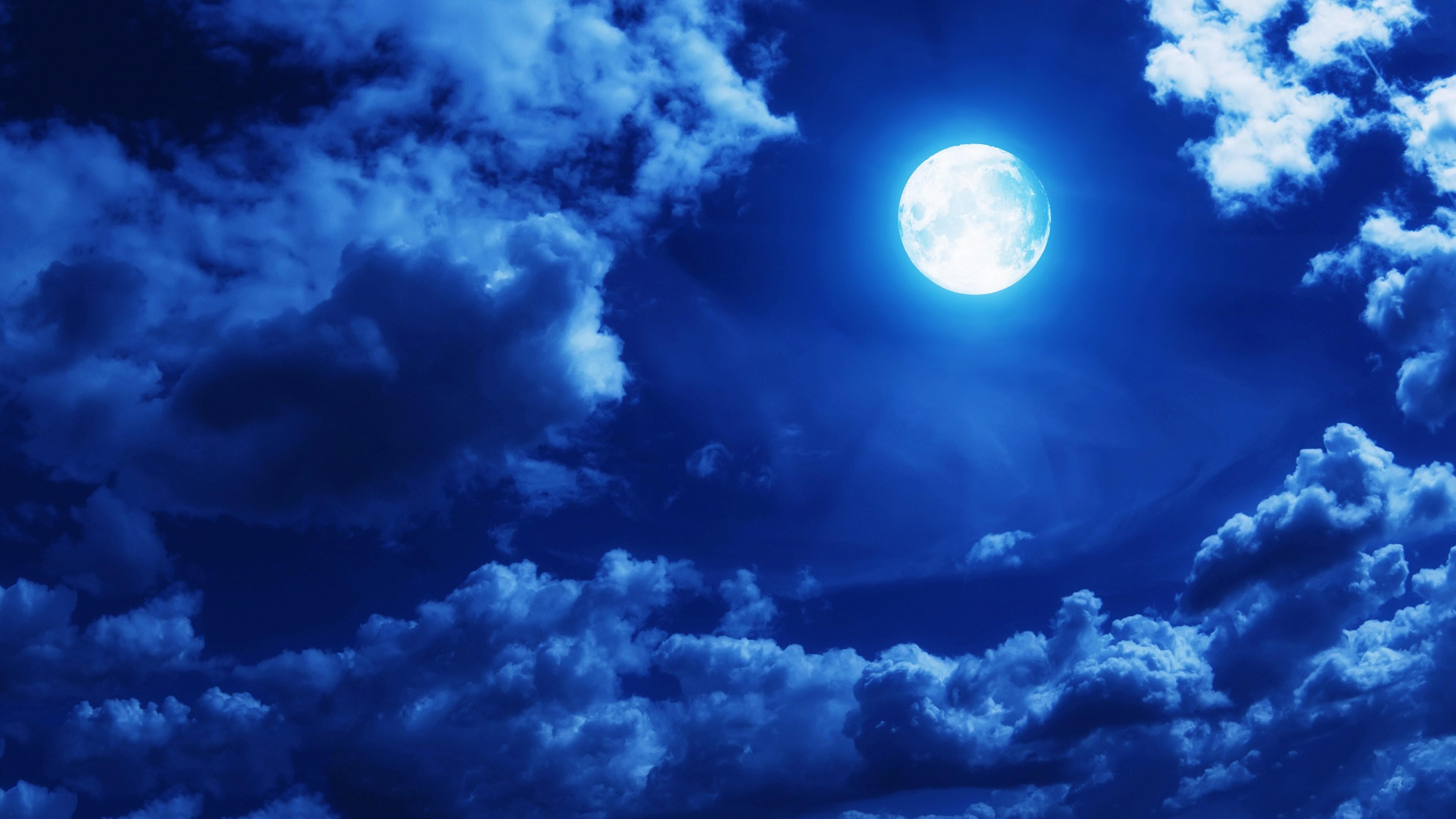 moon_clouds_4k